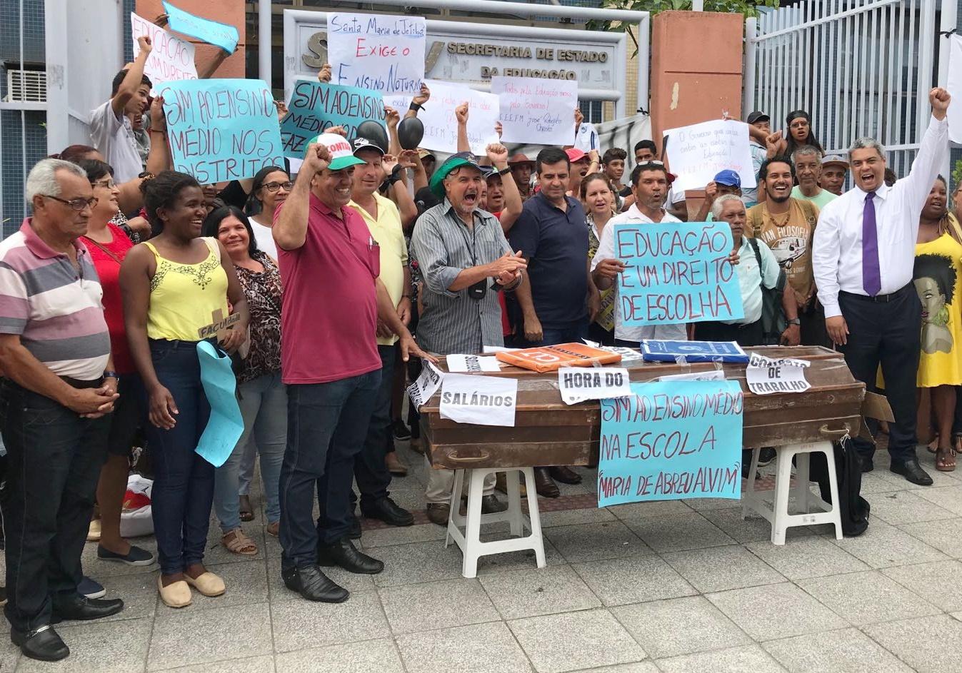 Sinasefe Seção Ifes participa da luta contra o fechamento de escolas no interior do Estado (1)