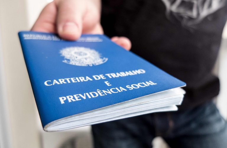 carteira_de_trabalho-768x500